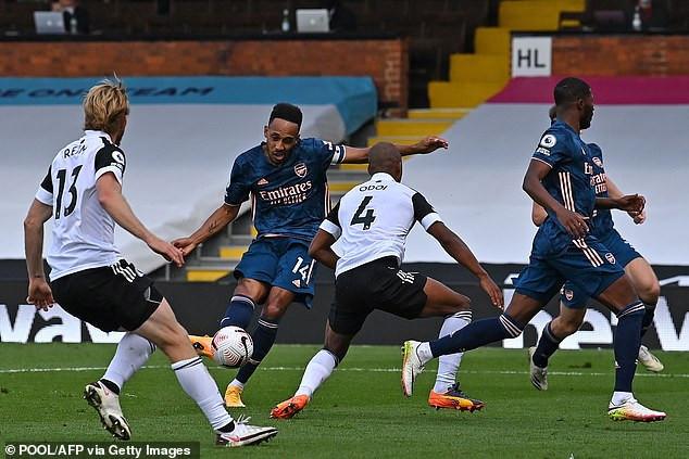 Arsenal begins EPL Season by trashing newly promoted Fulham 3-0