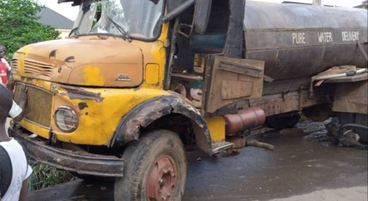 One killed as water tanker crushes tricycle in Anambra (photos)