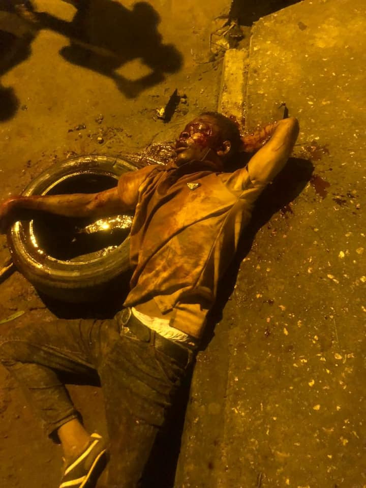 Two suspected robbers killed, set ablaze by angry mob in Calabar