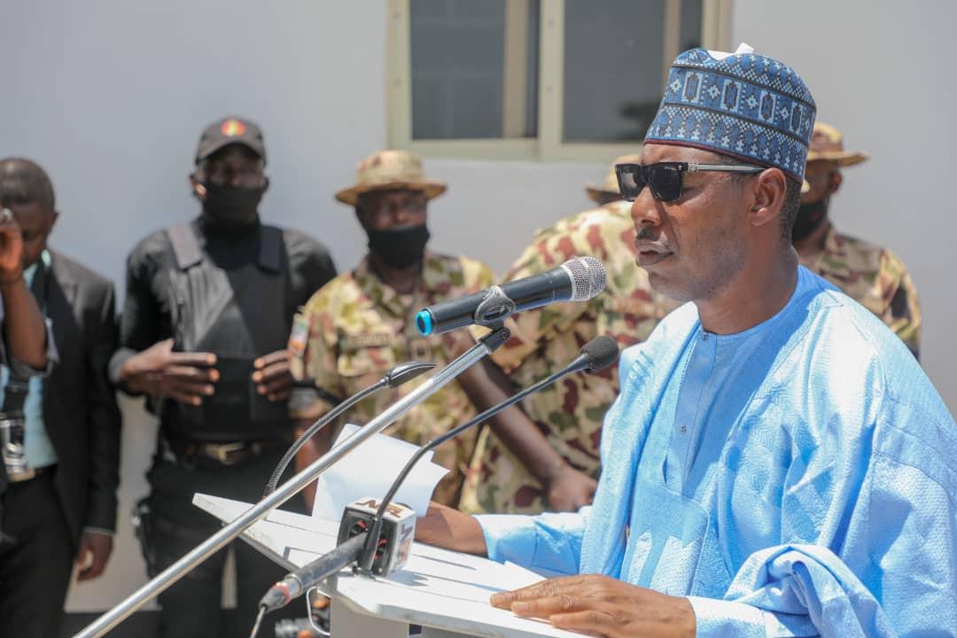 Army commander killed in Boko Haram ambush laid to rest. Borno gov gifts his widow N20m (photos)