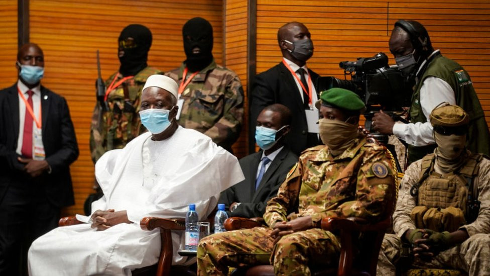 Mali Coup: Rtd.Colonel Bah Ndaw sworn in as Mali transition president (photos)