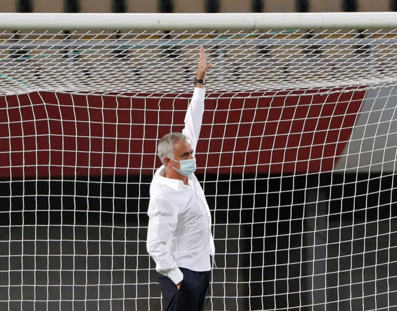 Jose Mourinho hits back at Ole Gunnar Solksjaer after the Manchester United manager mocked him for measuring a goal post