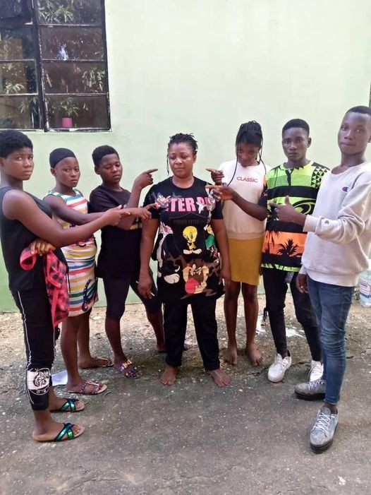 """Nasarawa Police nab suspected female human trafficker """"Mama Gee"""" rescue 6 victims"""