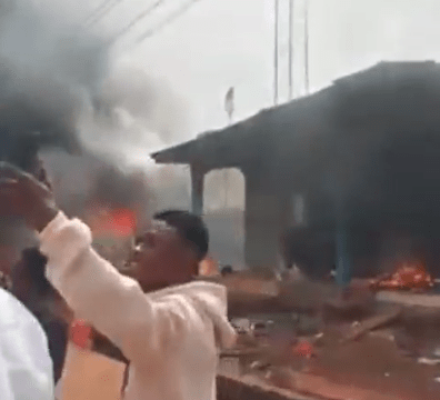 Thugs Set Police Station on Fire in Edo
