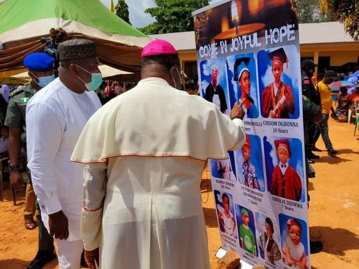 Photos from the requiem mass of eight pupils killed in a fatal accident in Enugu (photos)
