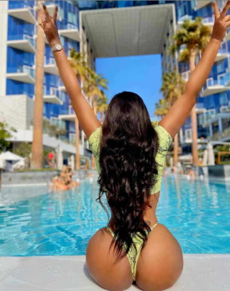 Lilian Afegbai flaunts her massive butt as she vacations in Dubai (photos/video)