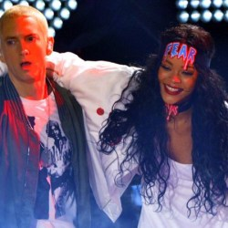 Eminem apologises to Rihanna for defending Chris Brown's attack.
