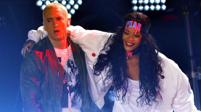 Eminem apologises to Rihanna for supporting Chris Brown