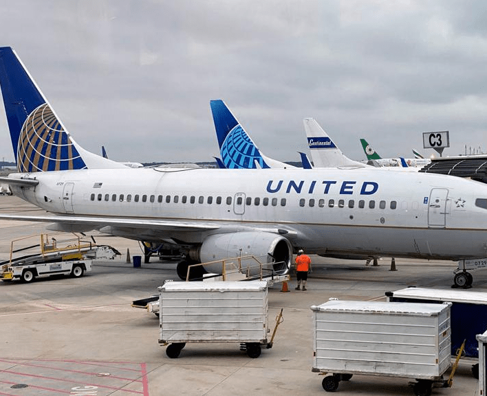 United Airlines passenger dies after withholding information about Covid-19 symptoms