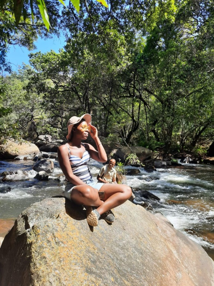 Check out singer and dancer, Snazzie Iyanga