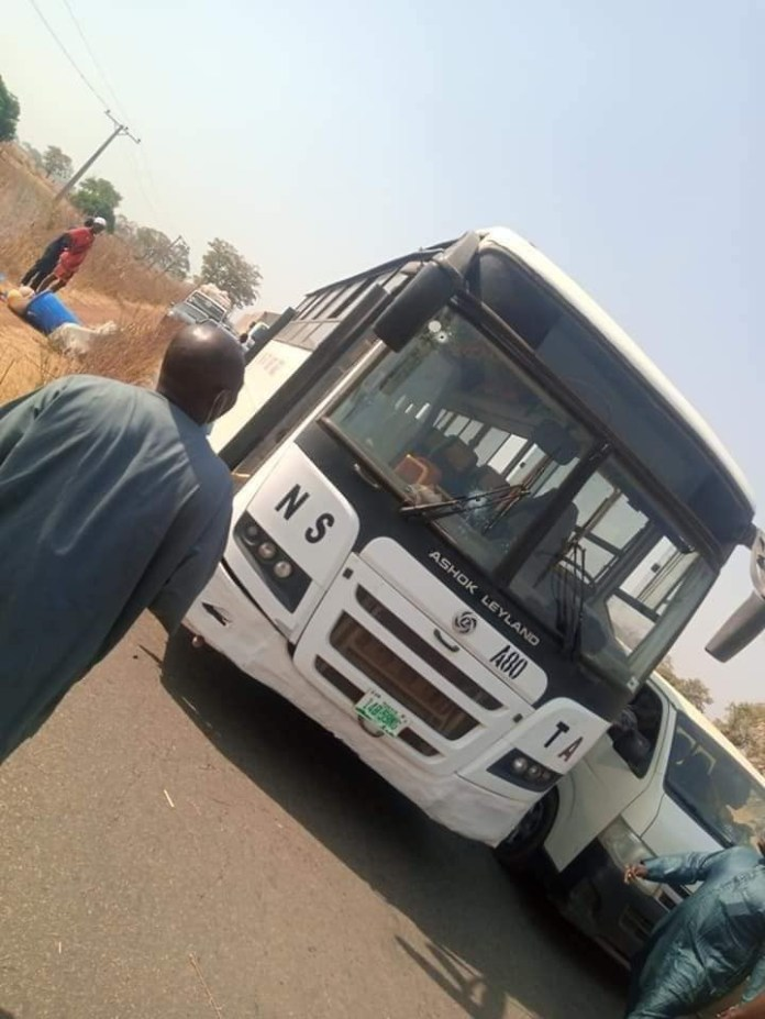 Armed bandits attack vehicle in Niger State, kidnap 18 passengers including groomsmen