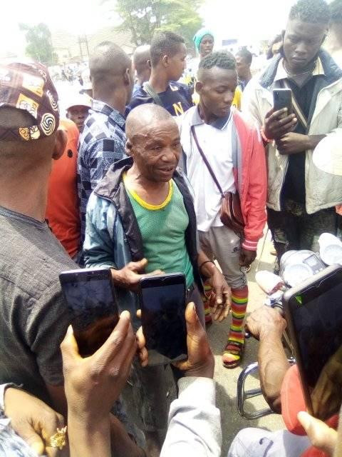 Man beaten mercilessly by angry youths in Abia community after he was allegedly caught selling a deadly poison in the market