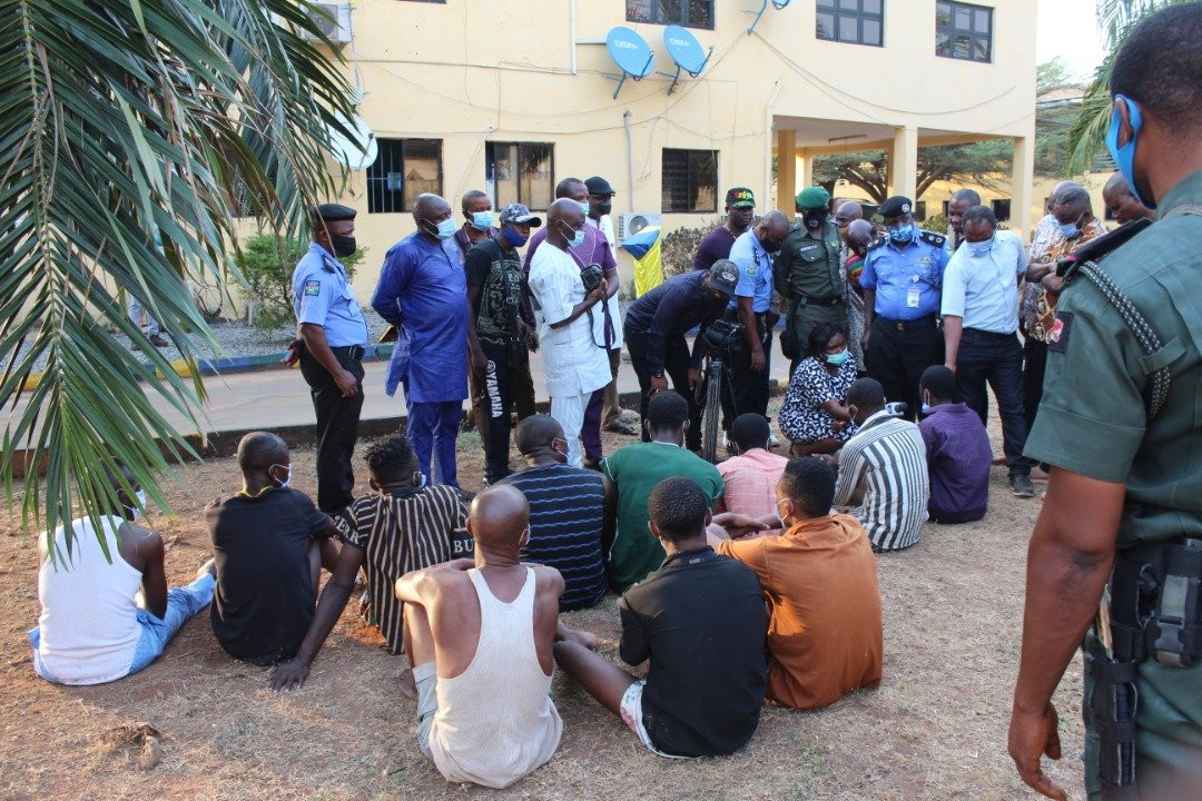 11 suspected ritual killers arrested with the skull and other body parts of a woman reportedly abducted in Delta state