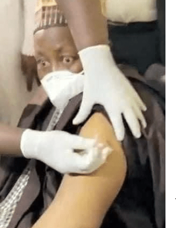 Jigawa state governor, Muhammad Badaru, looked terrified as he received his COVID19 vaccine(video)