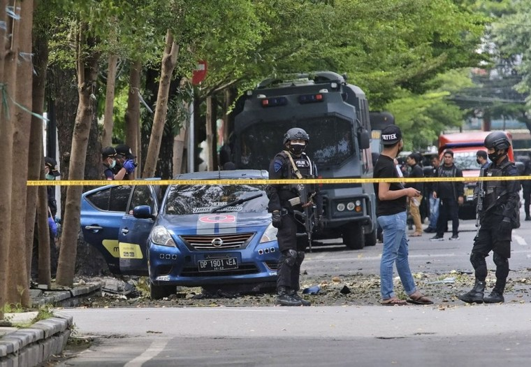 20 worshippers wounded as two suicide bombers target church in Indonesia on Palm Sunday