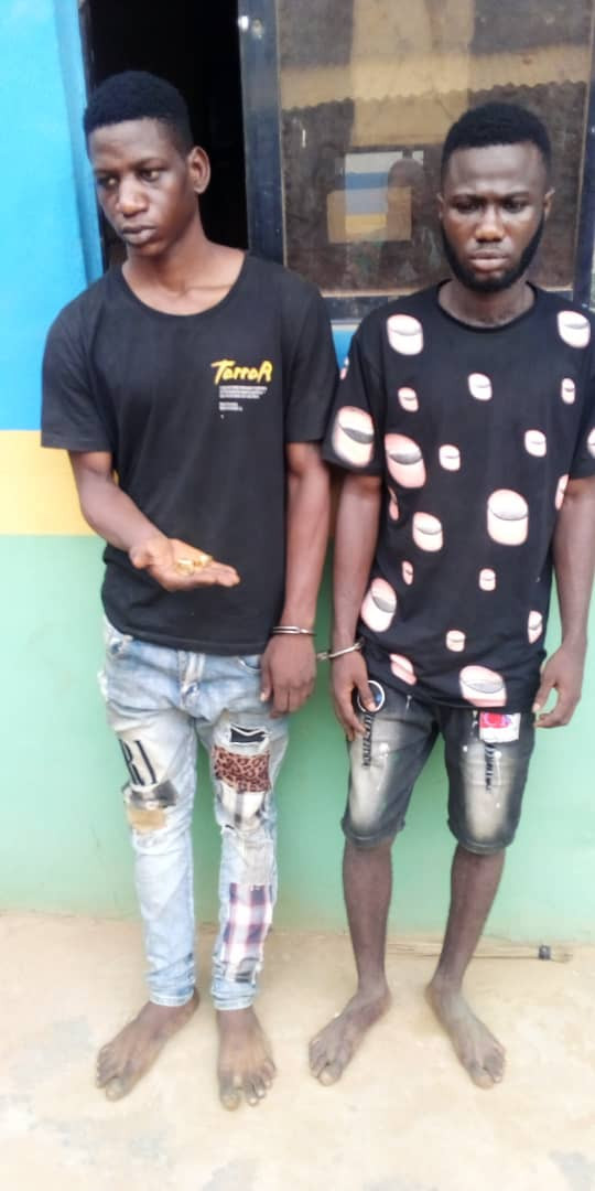 Two men arrested for allegedly robbing gold merchant of jewelries worth N6m in Ogun (photo)