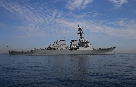 Russia warns US to keep warships away from Crimea ?for their own good? as Ukraine calls up reserve army to counter