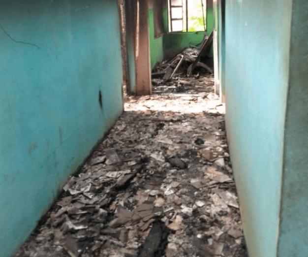 Gunmen raze police station in Abia, release inmates (photos)