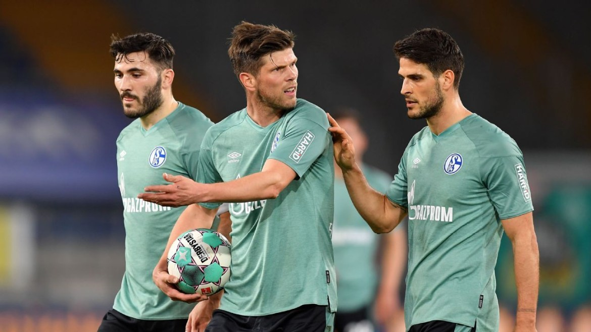 Video shows Schalke players being chased by angry fans after the German club were relegated from the Bundesliga?