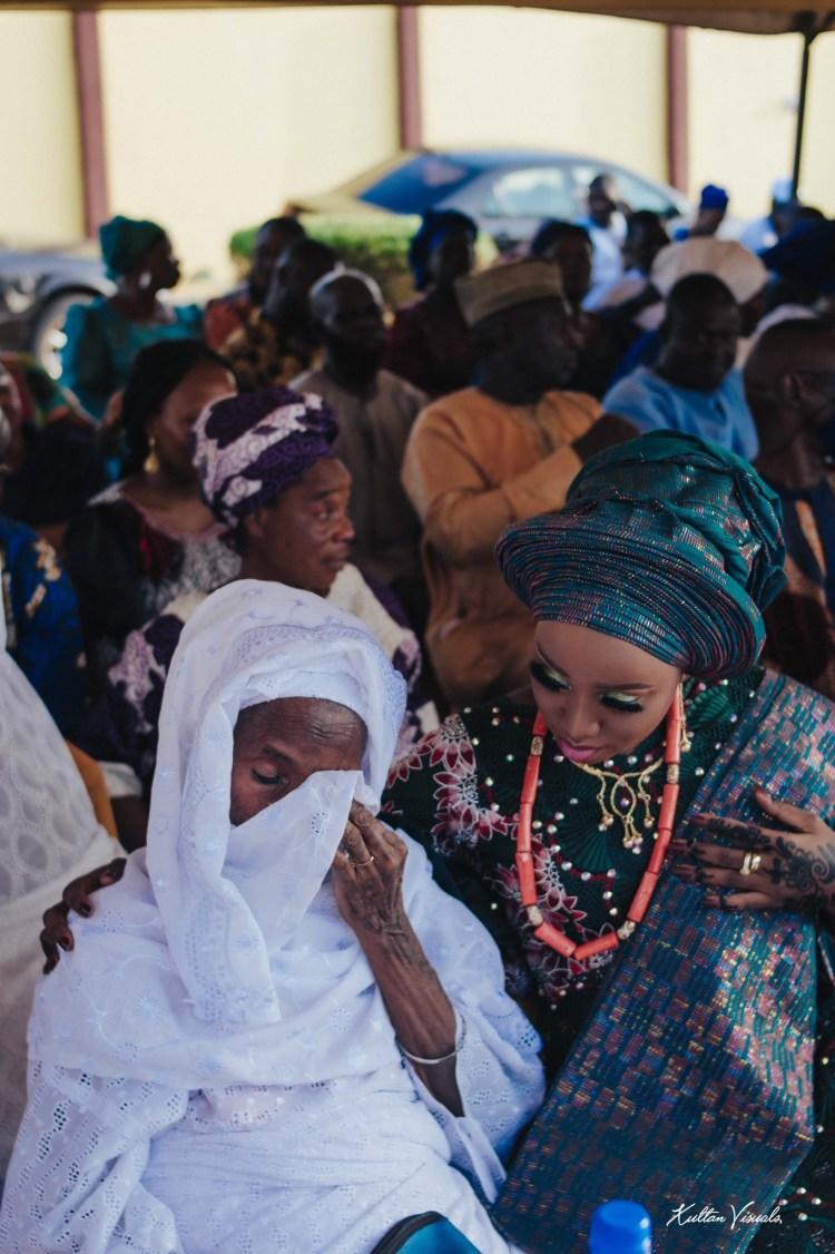 Adorable photos of a Nigerian grandmum shedding tears of joy at her granddaughter