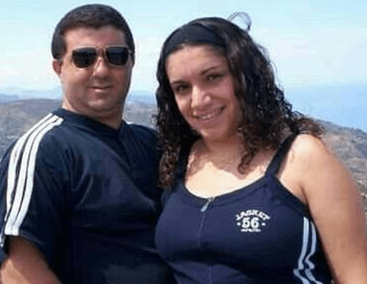 Woman hangs herself and daughter, 14, after leaving suicide note for husband to find