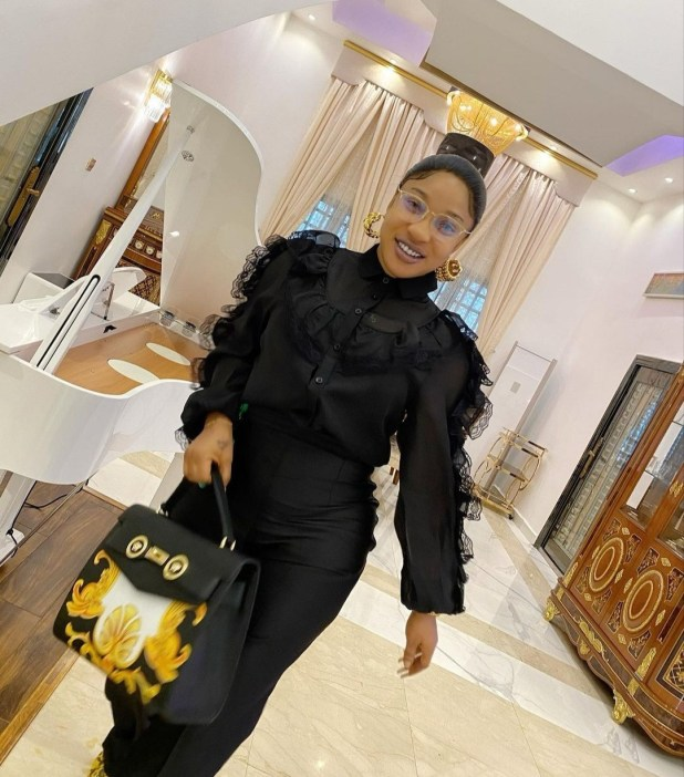 Tonto Dikeh issues warning to rude fans who feel they can insult her but take offense when their mothers are insulted back