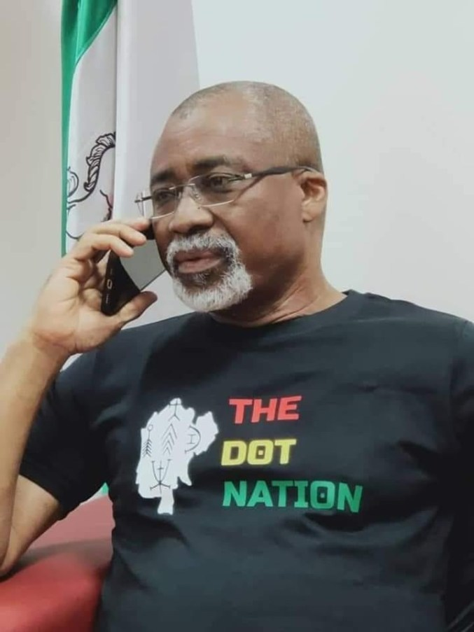 Abaribe wears a 'dot in the circle' t-shirt after Buhari's comment 2