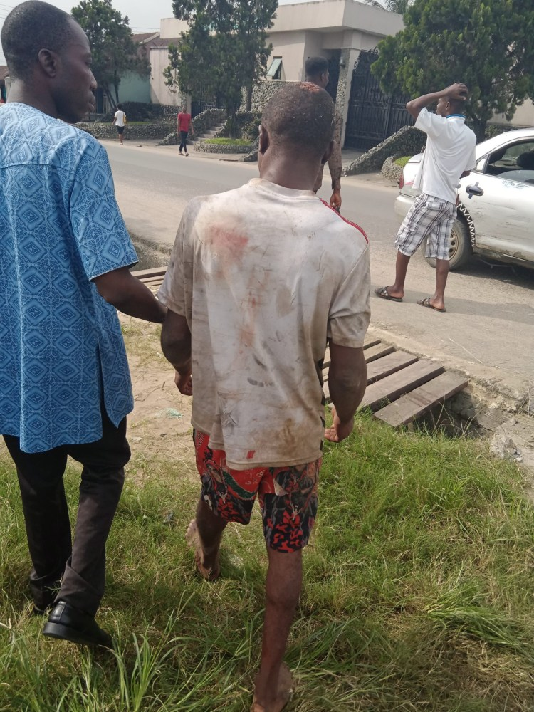 Angry residents beat man for allegedly stealing car battery in Port Harcourt