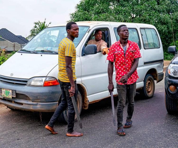 Governor Sanwo-Olu arrests machete-wielding criminals in Ojota