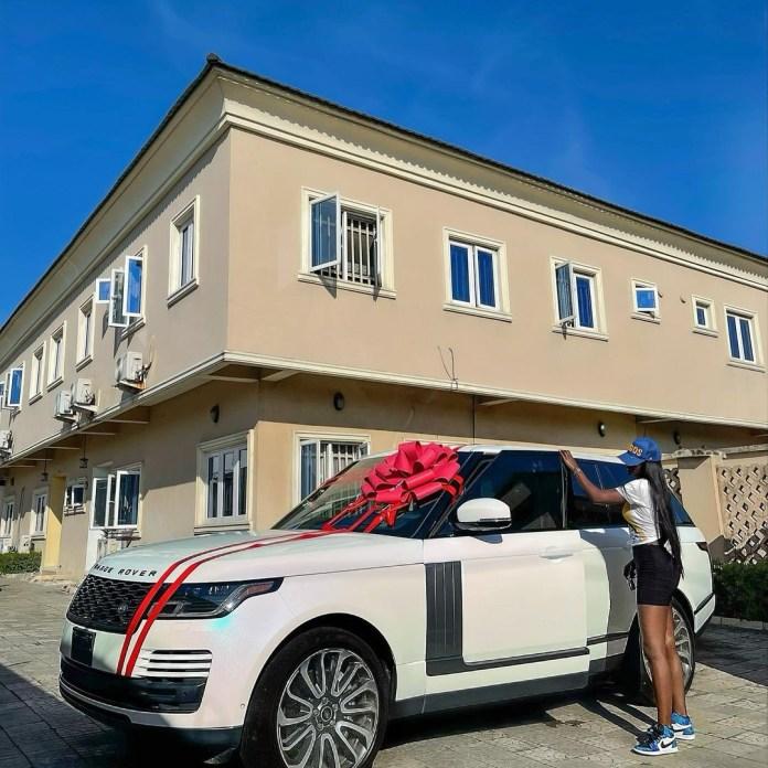 Fashion designer, Tolu Bally, acquires 2020 Range Rover Vogue (photos)