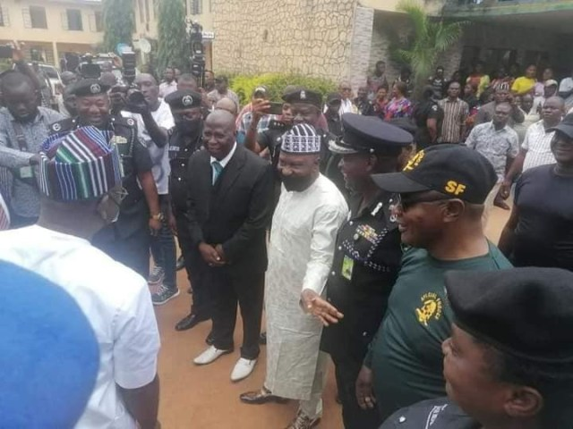Three kidnappers killed in gun duel as police rescue abducted wife of Benue commissioner (photos)
