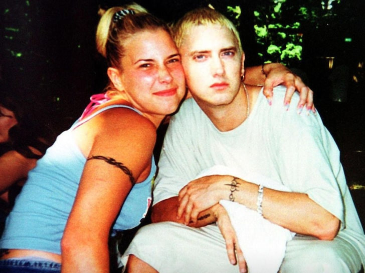 Eminem's ex-wife Kim Scott 'hospitalised following a suicide attempt' 1