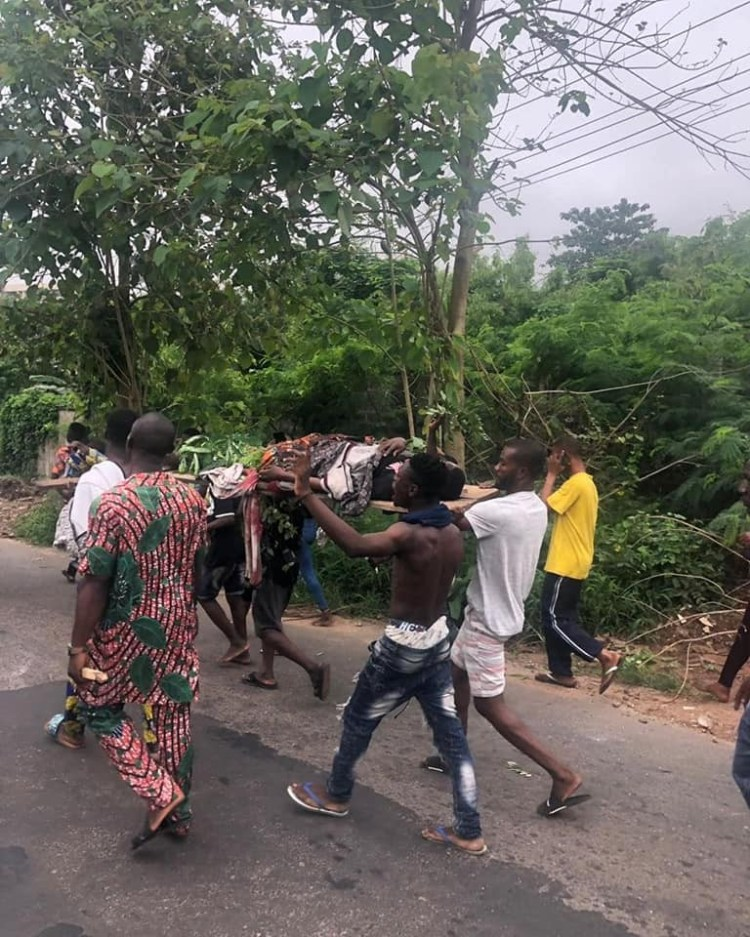 Protest in Ibadan as Amotekun operative allegedly kills 15 year old (photos)