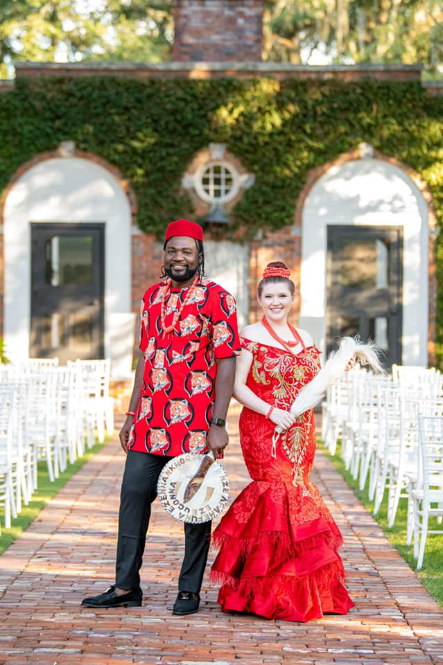 Nigerian man and his Caucasian wife rock traditional outfits for their wedding