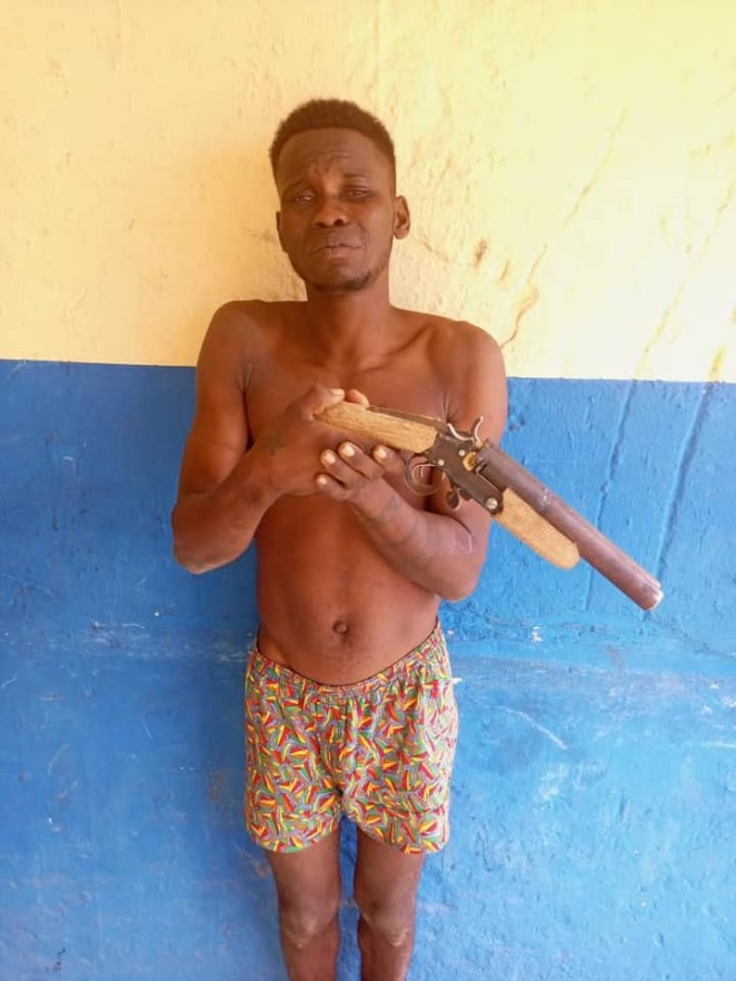 Delta police kill member of daredevil robbery gang in gun battle, arrest two suspected cultists