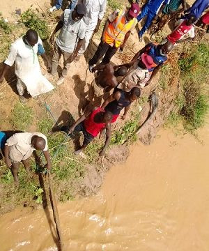 Two killed as vehicle plunges into river in Bauchi (photos)