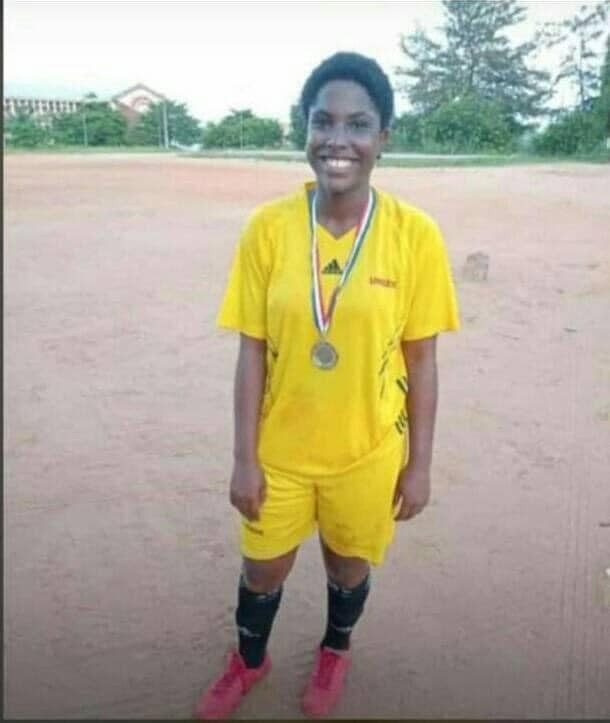 UNIZIK student dies after being hit by stray bullet fired by unknown gunmen in Nnewi