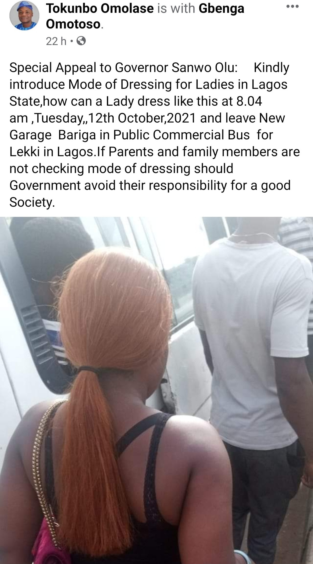 Man dragged for filth after taking photo of a lady and calling on the government to introduce mode of dressing for women