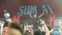 Deryck Whibley Performing with Sum 41 on Vans Warped Tour 2016