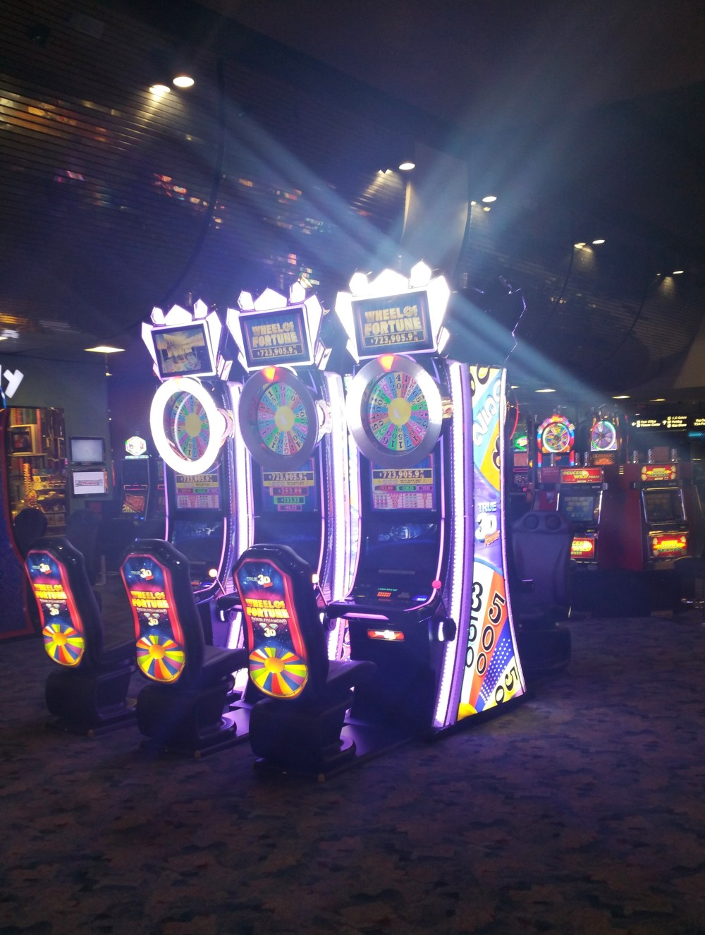 Vegas Slot Machines.jpg