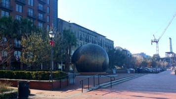 8 Savannah Georgia Metal Globe