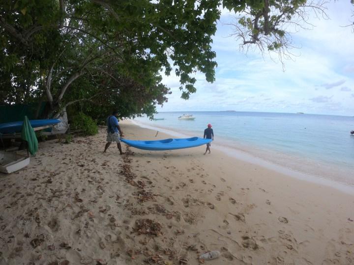 Rasdhoo-Coralville-See-Kayaking