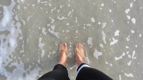 alexis-chateau-toes-in-the-water
