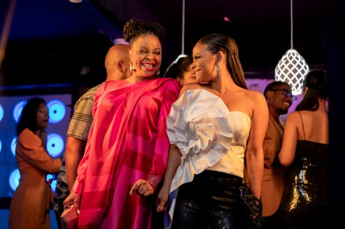 """Tymberlee Hill as Amber and Christina Milian as Erica in Netflix's """"Resort to Love"""""""