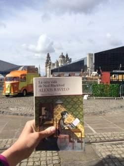 Lucía Sosa se lleva a Ned Blackbird a su fin de semana en Liverpool