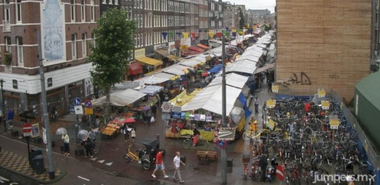 Albert Cuypmarkt-mercado-markets-amsterdam-jumpers