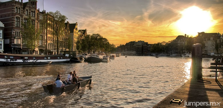 amsterdam-jumpers-