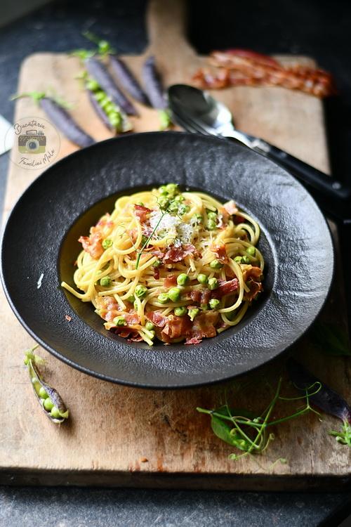 spaghete carbonara cu mazăre - Bucătăria Familiei mele- Alex Juncu
