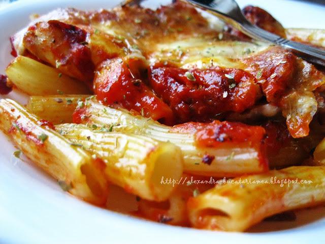 Paste cu pui şi mozzarella la cuptor