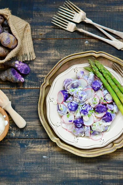 salata de cartofi mov cu iaurt
